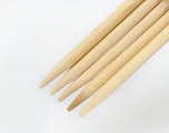 8 mm (US 11) A set of 5 double-poing knitting needles. Length: 20 cm. Material: Wooden Brand ICE, acs-894