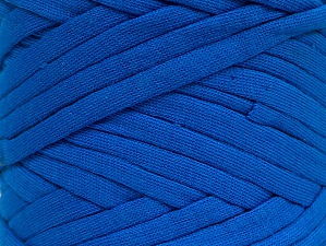 Make handbags,rugs,basket and cushion covers with this genius new-fashion yarn!<p>Since the yarn is made by upcycling fabrics, and because of the nature of the yarn; take the following notes into consideration. </p><ul><li>Fiber content information may vary. Information given about fiber content is approximate. </li><li>The yardage and weight information of the yarn is approximate. </li></ul> Fiberinnehåll 95% Bomull, 5% Elastan, Brand ICE, Blue, fnt2-63578