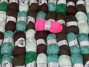 Violino - Fettuccia Fine This mixed lot includes a total of 2000 gr (70.5 oz.) yarn. There is no standard for ball weight. Also disregard any information on the labels. You will get what you see in the photo. Brand ICE, fnt2-64102