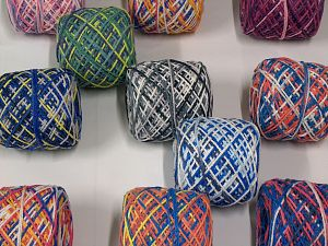 Self Striping Yarns In this list; you see most recent 50 mixed lots. <br> To see all <a href=&/mixed_lots/o/4#list&>CLICK HERE</a> (Old ones have much better deals)<hr> Vezelgehalte 100% Acryl, Brand Ice Yarns, fnt2-69736