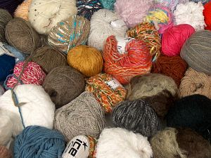 Leftover Yarns In this list; you see most recent 50 mixed lots. <br> To see all <a href=&/mixed_lots/o/4#list&>CLICK HERE</a> (Old ones have much better deals)<hr> Brand Ice Yarns, fnt2-70684