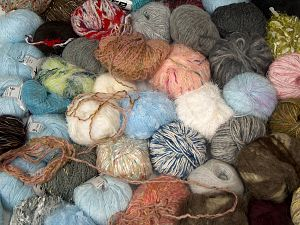 Leftover Yarns In this list; you see most recent 50 mixed lots. <br> To see all <a href=&/mixed_lots/o/4#list&>CLICK HERE</a> (Old ones have much better deals)<hr> Brand Ice Yarns, fnt2-70710
