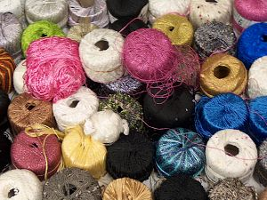 Fancy Yarns Because of the nature of fancy yarns, yardage of skeins may be different from one to another. The total net weight of the lot which is 2000 grams may differ around +-5%. In this list; you see most recent 50 mixed lots. <br> To see all <a href=&/mixed_lots/o/4#list&>CLICK HERE</a> (Old ones have much better deals)<hr> Brand Ice Yarns, fnt2-70753