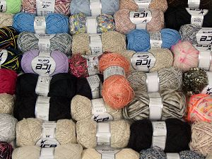 Fancy Yarns In this list; you see most recent 50 mixed lots. <br> To see all <a href=&/mixed_lots/o/4#list&>CLICK HERE</a> (Old ones have much better deals)<hr> Brand Ice Yarns, fnt2-71008