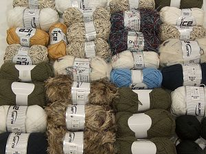 Fancy Yarns In this list; you see most recent 50 mixed lots. <br> To see all <a href=&/mixed_lots/o/4#list&>CLICK HERE</a> (Old ones have much better deals)<hr> Brand Ice Yarns, fnt2-71324