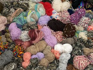 Leftover Yarns In this list; you see most recent 50 mixed lots. <br> To see all <a href=&/mixed_lots/o/4#list&>CLICK HERE</a> (Old ones have much better deals)<hr> Brand Ice Yarns, fnt2-71586