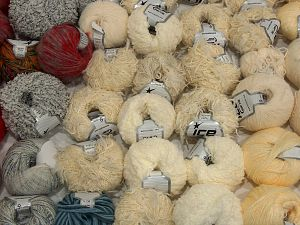 Custom Blends In this list; you see most recent 50 mixed lots. <br> To see all <a href=&/mixed_lots/o/4#list&>CLICK HERE</a> (Old ones have much better deals)<hr> Brand Ice Yarns, fnt2-71592