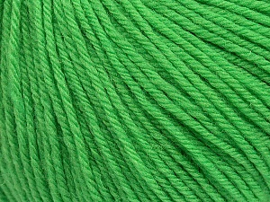 SUPERWASH WOOL is a DK weight 100% superwash wool yarn. Perfect stitch definition, and a soft-but-sturdy finished fabric. Projects knit and crocheted in SUPERWASH WOOL are machine washable! Lay flat to dry. Fiber Content 100% Superwash Wool, Brand ICE, Green, Yarn Thickness 3 Light  DK, Light, Worsted, fnt2-42932